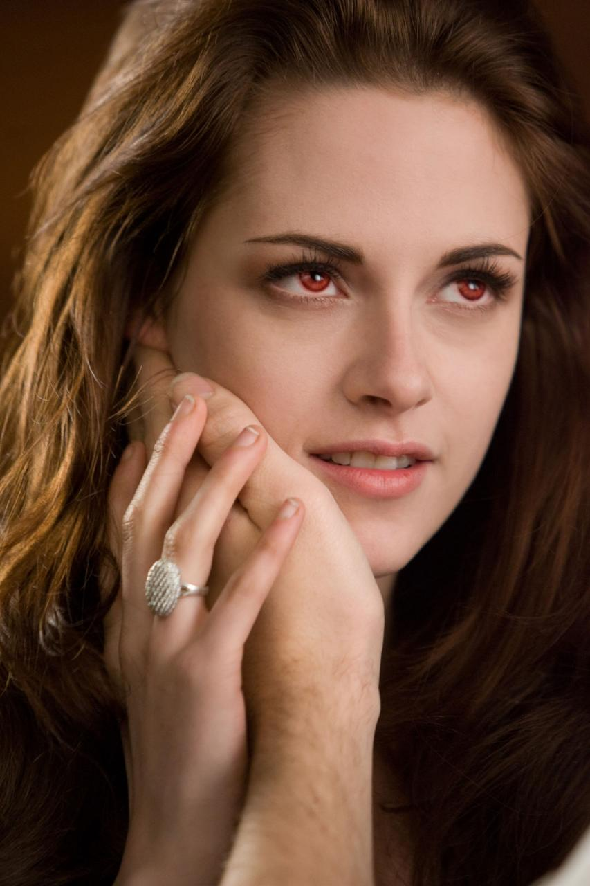 Breaking Dawn Part 2 Poster And Photos (4)