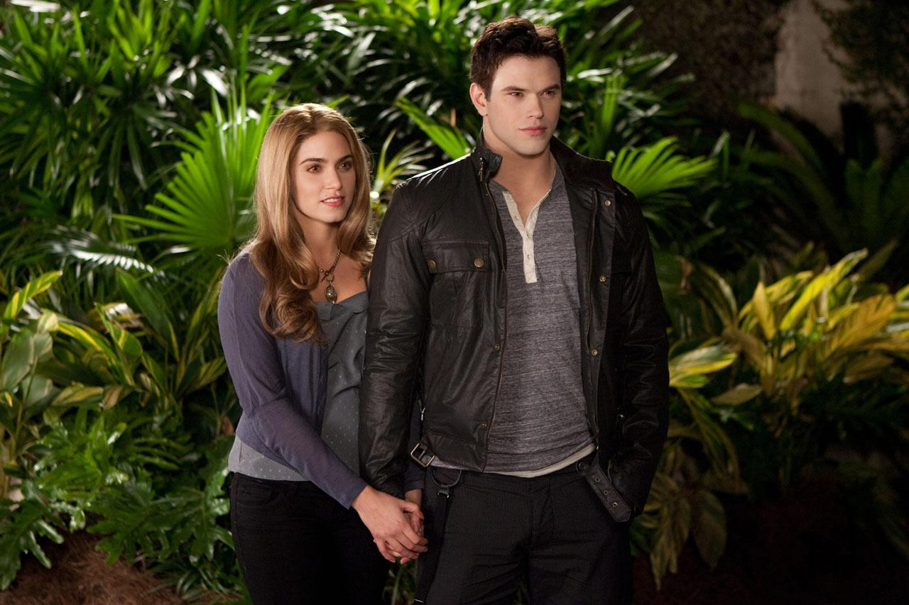 Breaking Dawn Part 2 Poster And Photos (6)