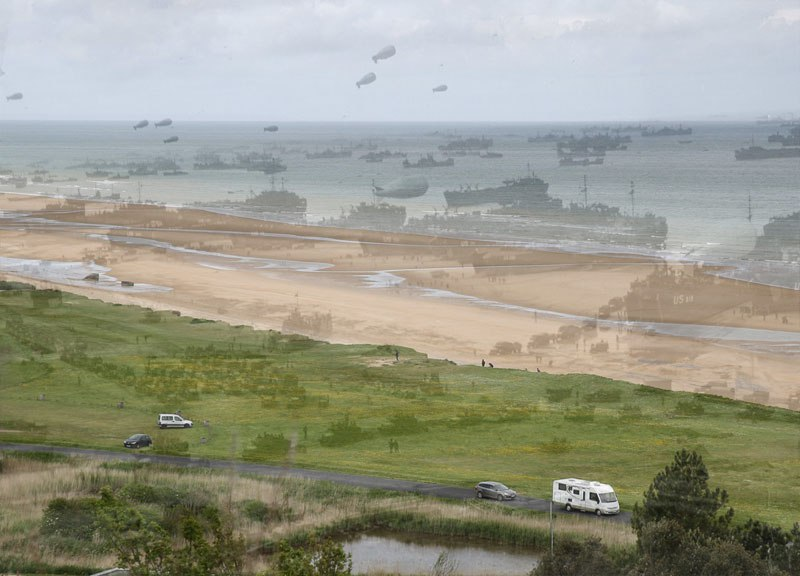 Then And Now Photo Of Omaha Beach Normandy Fizx