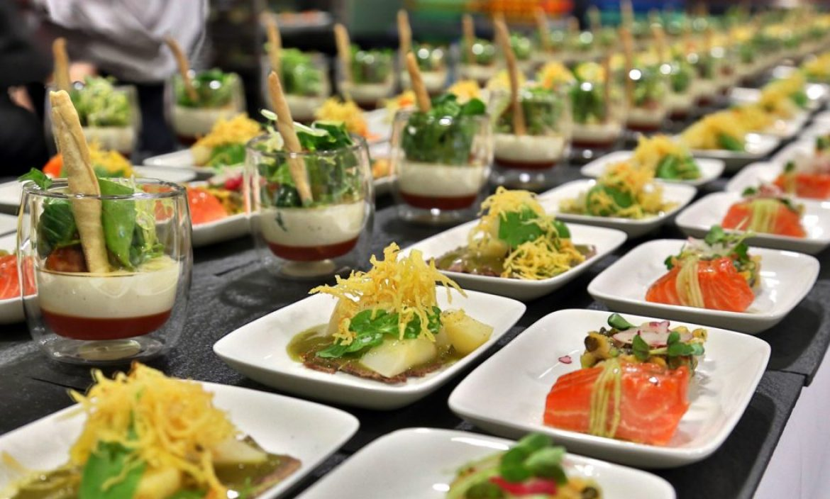 How to choose the best catering company fizx for Best catering